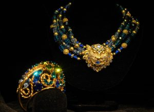 Scherrer bracelet with necklace made using an antique lion figural